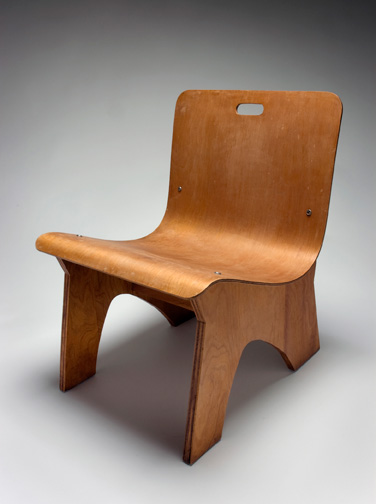 A. Lawrence Kocher, Conversation Chair, 1942, plywood, 25 x 18 x 24 inches. Black Mountain College Museum + Arts Center Collection. Gift of Sandra Kocher.
