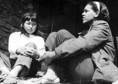 Ruth Asawa and Alma Stone Williams, Black Mountain College, Summer of 1946.